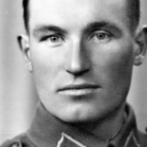 Sotainvalidi Ahti Saari haavoittui kahdessa sodassa.