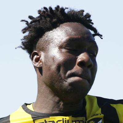 Jean Marie Dongou firar mål.