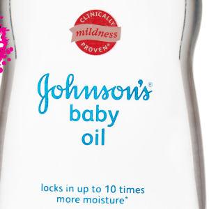en klar baby oil flaska