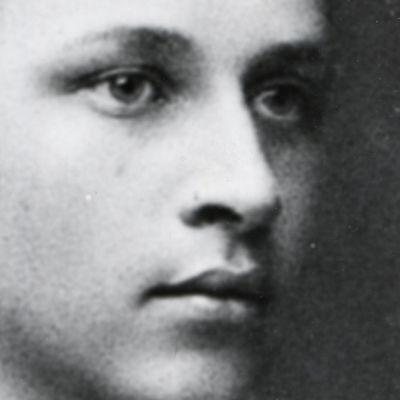 Carl Gustaf Emil Mannerheim nuorena kadettikoululaisena.