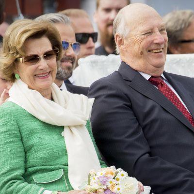 Norjan kuningasparin vierailu – Katso vastaanottoseremonia suorana