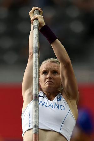 Minna Nikkanen hoppar stav vid EM 2018.