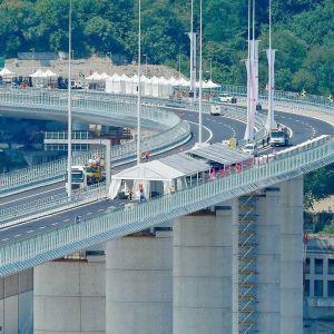 Del av den nya bron som byggts i Genua i stället för den bro som rasade i augusti 2018.