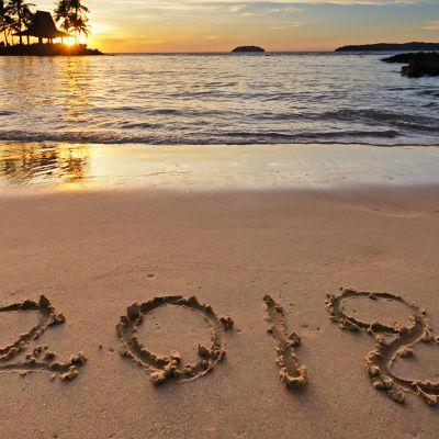 vuosi 2018 kirjoitettu hiekkaan