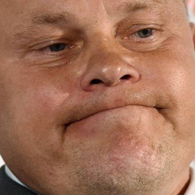 Mixu Paatelainen var sammanbiten på presskonferensen efter förlusten mot Ungern.