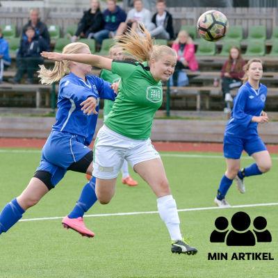 En fotbollsspelare nickar bollen mot mål.
