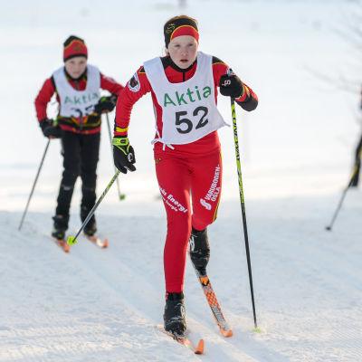 Edith Ljungqvist skidar klassisk stil.