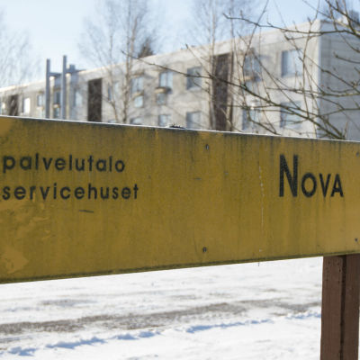 En skylt vid Nova Servicehus