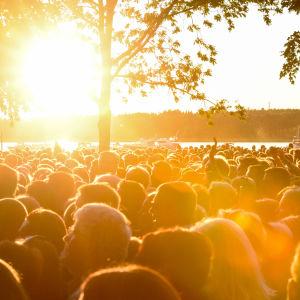 Publiken i Stallörsparken 2015.