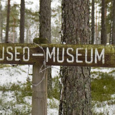 museum skylt