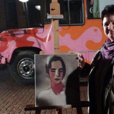Tuija Wilman återbördar tavlan
