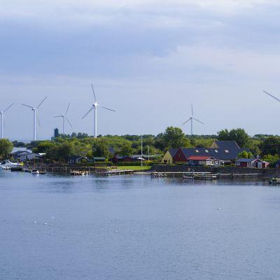 tuulimyllyjä Landskronassa Ruotsissa.