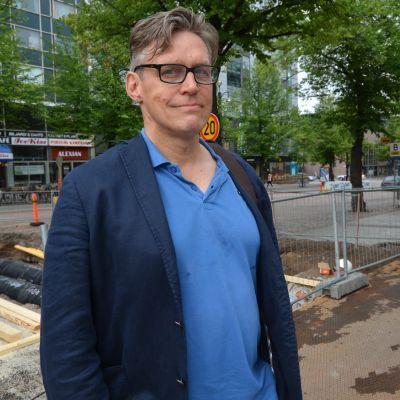 Kirjailija Kalle Veirto