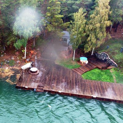 Airiston Helmen omistuksessa oleva rantakiinteistö Prostvik Resort Paraisten Nauvossa 26. syyskuuta.