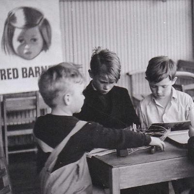 Tanskalainen hyväntekeväisyysjärjestö aittoi sodasta kärsineitä lapsia.