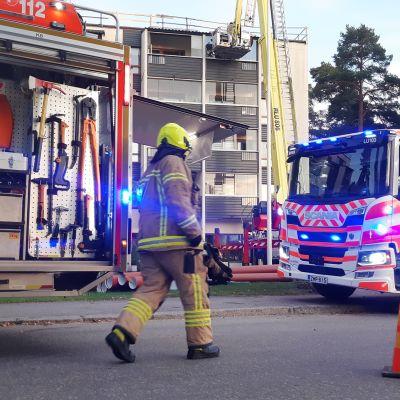 Kuvassa on tulipalopaikka Espoossa.