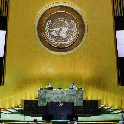 YK:n yleiskokous - Presidentti Niinistön etäpuhe noin kello 18.30