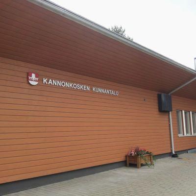 Kannonkosken kunnantalo.