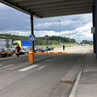 Imatran raja-aseman saapuvien linjalla.