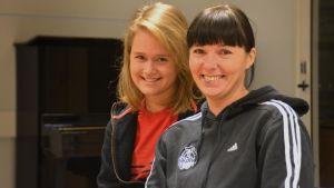 Neea Kotkanoja och Marika Pulliainen i Sportmåndag 30.11.2015