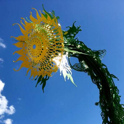 Auringonsilta-taideteos Tuusulassa.