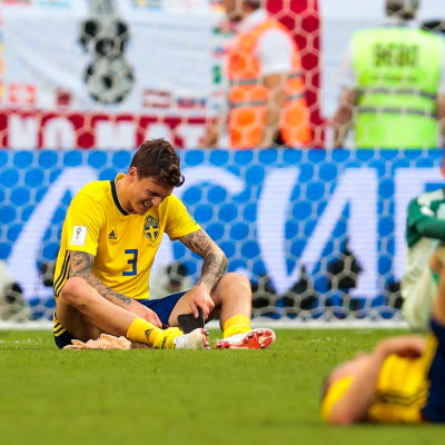 Besvikna svenska fotbollsspelare.