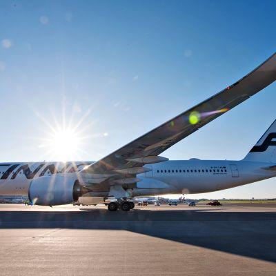 Finnairin A350 XWB -lentokone.