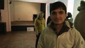 Reshad från Afghanistan vid flyktingmottagning i Riga.