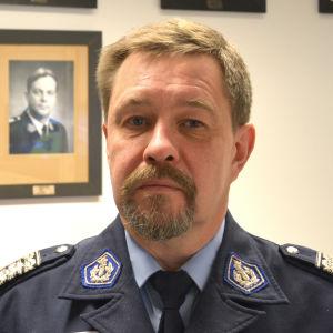 Porträtt av biträdande polischef Bo-Erik Hanses.