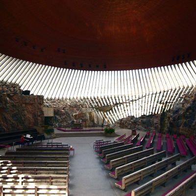 Insidan på kyrkan