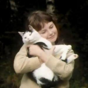 Tyttö  YK:n lapsen vuoden kunniaksi 1979 tehdyssä lasten elämää kuvaavassa ohjelmassa.