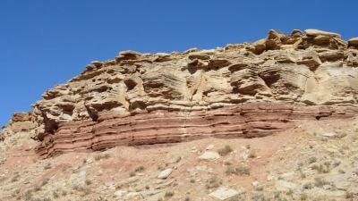 Geologiska avlagringar från perioden trias i Utah, USA.