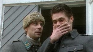 Vesa Vierikko ja Tommi Korpela elokuvassa Kersantin kunnia