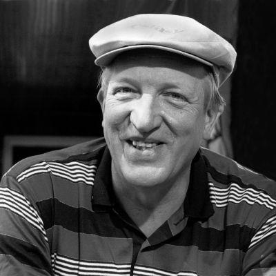 """Martin Saarikangas """"Takki naulaan"""" -ohjelmassa vuonna 1992"""