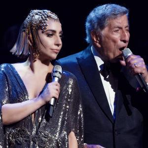 Tony Bennett ja Lady Gaga New Yorkin Lincoln Centerissä heinäkuussa 2014.