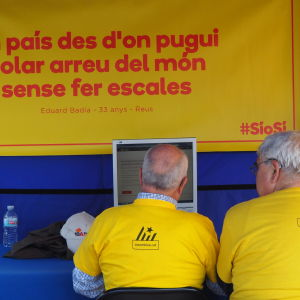 Över 20 000 frivilliga är med och arrangerar det olagliga valet i Katalonien på söndag.