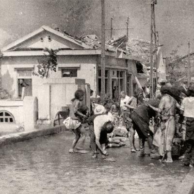 Dokumentti Hiroshiman painajainen kertoo atomipommin kauhuista ja epätoivosta silminnäkijöiden kertomusten ja vanhojen valokuvien avulla.