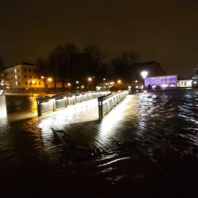 Rauman kanaali tulvii