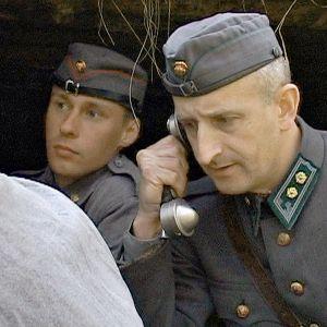 Suuri torjuntavoitto kertoo Siiranmäen, Äyräpään ja Vuosalmen torjuntataisteluista kesältä 1944.