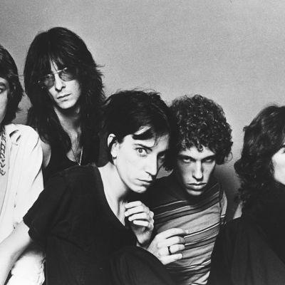 Patti Smith Group år 1980, Patti Smith i mitten
