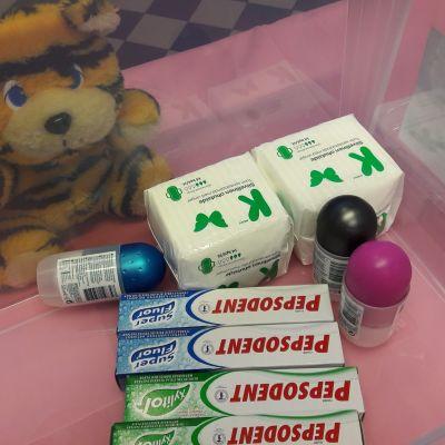 hammastahnaa dödöä ja siteitä laatikossa
