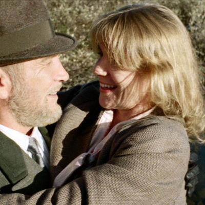Mikk Mikiver ja Stina Ekblad elokuvassa Ystävät, toverit.