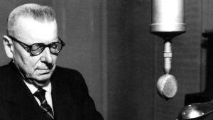 J.K Paasikivi håller ett tal 27.12 1949