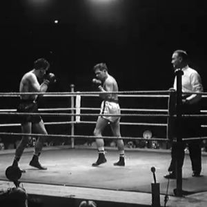 Elis Ask ottelee Pierre Montanéa vastaan nyrkkeilyn kevyen sarjan EM-ottelussa 1951.