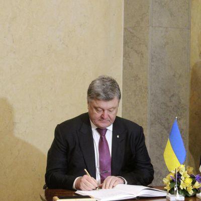 Ukrainan presidentti Petro Porošenko vieraili Tallinnassa Viron presidentin Kersti Kaljulaidin luona maanantaina 23. tammikuuta 2017.