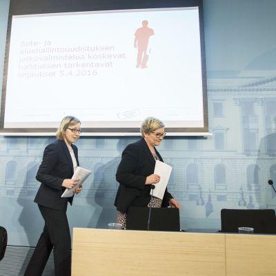 Hallituksen tiedotustilaisuus sote- ja aluehallintouudistuksesta 6. huhtikuuta.