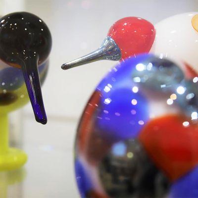 Oiva Toikan suunnittelemia lasilintuja.