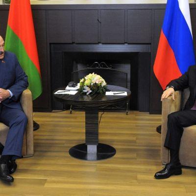 Aljaksandr Lukašenka tapasi Venäjän presidentin Vladimir Putinin tänään Sotšissa.
