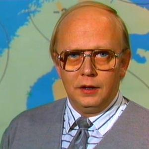 Meteorologi Erkki Nysten ennustaa säätä 1986.