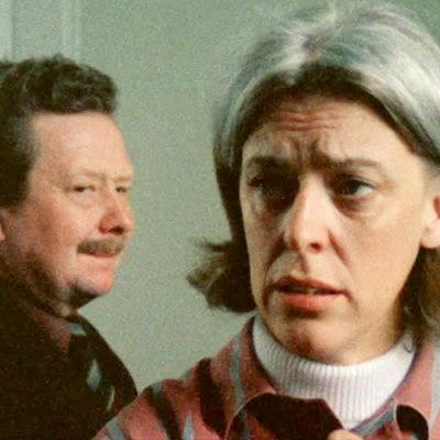 Lasse Pöysti ja Birgitta Ulfsson Anssi Mänttärin elokuvassa Pyhä perhe.